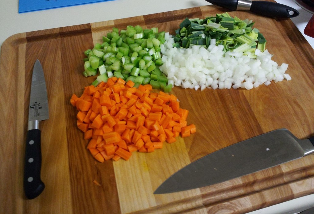 1280px-Mirepoix_on_cutting_board